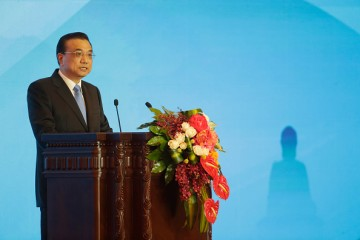 Premier Li Keqiang says that China is committed to maintaining peace despite strained relations with other countries.