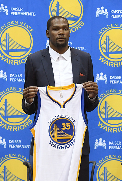 new style a05ea b6d98 NBA Rumors: Kevin Durant, Steph Curry Could Leave in Free Ag