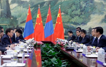China and Mongolia renewed their commitment to sustain the countries' traditional friendship.