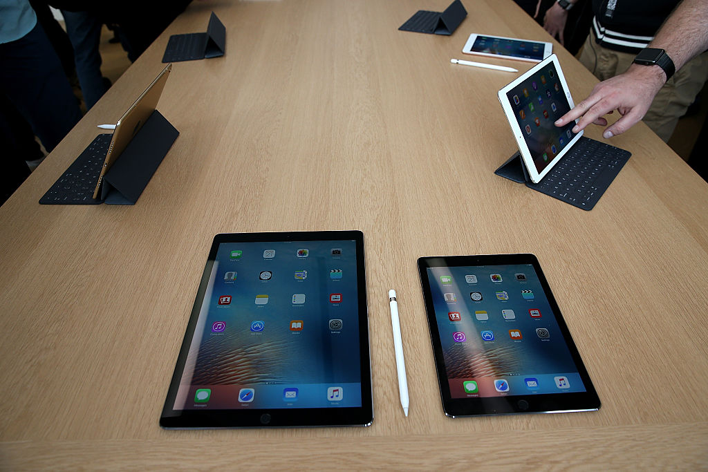 apple could launch several ipad pro 2 variants before end of. Black Bedroom Furniture Sets. Home Design Ideas