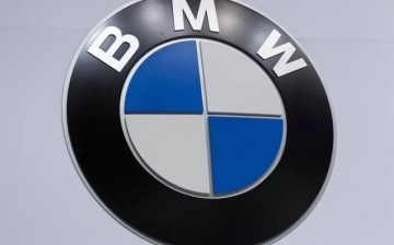 BMW has announced plans to expand its production capacity and introduce three new car models to the Chinese market in a bid to attract middle-class buyers.
