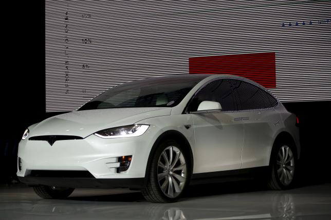 Tesla Model X Hummer Tax Credit Loophole Makes Suv Ers Eligible For 25 000 Price Cut