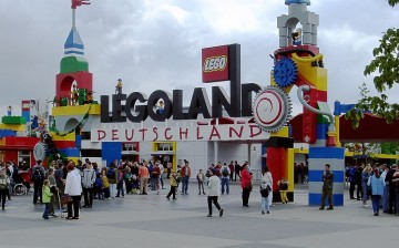 Legoland, a theme park franchise based on the Dutch toy, is set to open a branch in Shanghai.