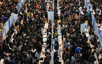 Where's Wally? A scene at the job fair held for 2016 college graduates at the University of Harbin in Heilongjiang Province on March 29.