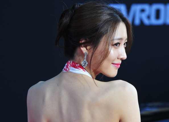 Actress Claudia Kim arrives at the premiere Of Marvel's 'Captain America:The Winter Soldier at the El Capitan Theatre on March 13, 2014 in Hollywood, California.