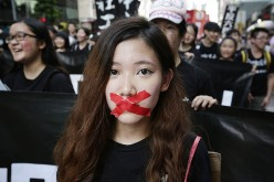 China's crackdown on human rights lawyers is a violation of basic rights, says Human Rights Watch.