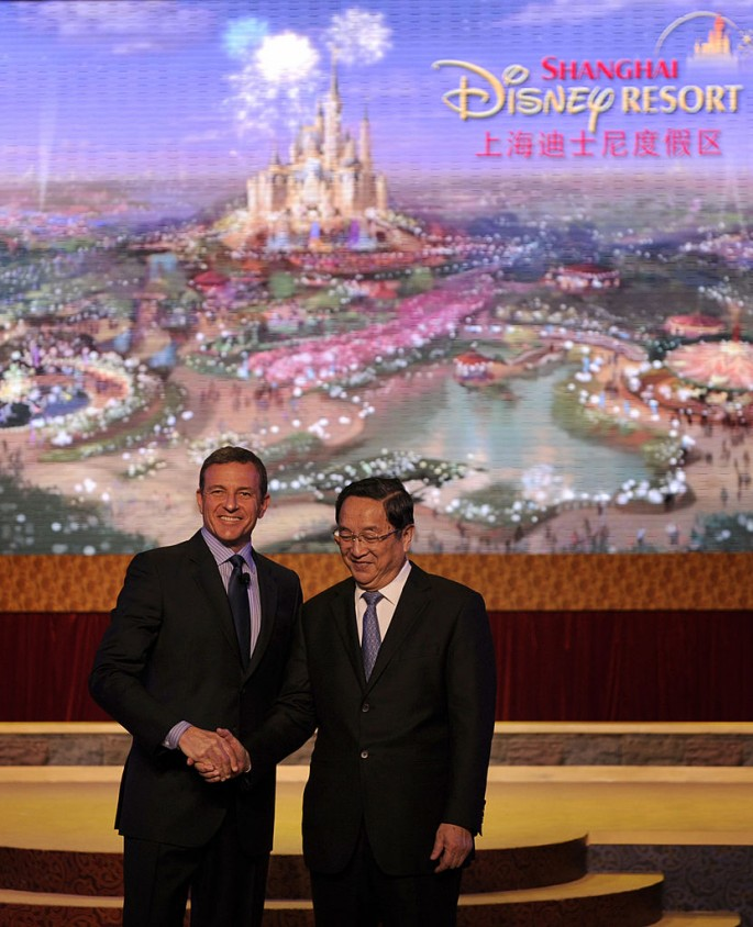 Walt Disney Co. president and CEO Robert A. Iger goes by the book to bring mainland China its first-ever Disneyland.