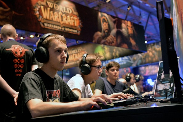 multiplayer online role playing games impacting chess Massively multiplayer online role-playing games (mmorpgs) are a combination of role-playing video games and massively multiplayer online games in which a very large number of players interact with one another within a virtual world.