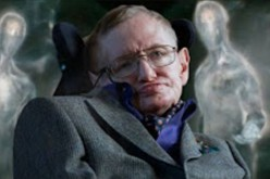 A preview screenshot of Stephen Hawking and some unidentified alien life-forms.