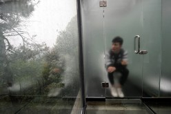 Using the glass restroom of Shiyan may give tourists second thoughts, but going to Shiyan to see the glass restroom may not.