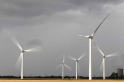 China builds more wind farms but is unable to use them.
