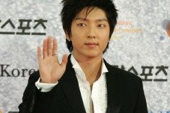 South Korean actor Lee Joon Gi arrives for the 43rd annual 'Paek Sang Art Awards' at the National theater April 25, 2007 in Seoul, South Korea.