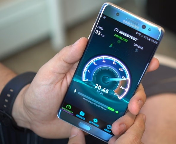 The Samsung Galaxy Note 7 being put through a test.
