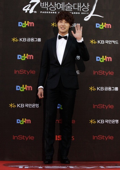 Actor Jung Il-Woo arrives for the 47th PaekSang Art Awards at Kyunghee University Art Center on May 26, 2011 in Seoul, South Korea.