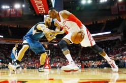 Minnesota Timberwolves' Nikola Pekovic guards Houston Rockets' Dwight Howard during their matchup last Jan. 13, 2016.