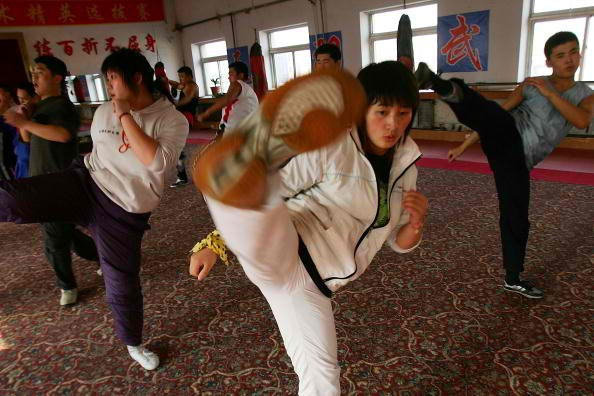 A martial-arts studio trains female bodyguards in Changchun.