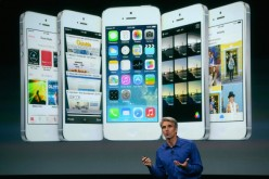 Apple Senior Vice President of Software Engineering Craig Federighi speaks about iOS 7 on stage.
