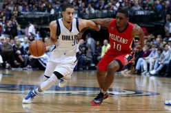 Langston Galloway (R) of the New Orleans Pelicans guards against Seth Curry (L) of the Dallas Mavericks in their matchup last Nov. 27, 2016.