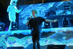 Justin Bieber performs poolside at Fontainebleau Miami Beachs New Years Eve Celebration