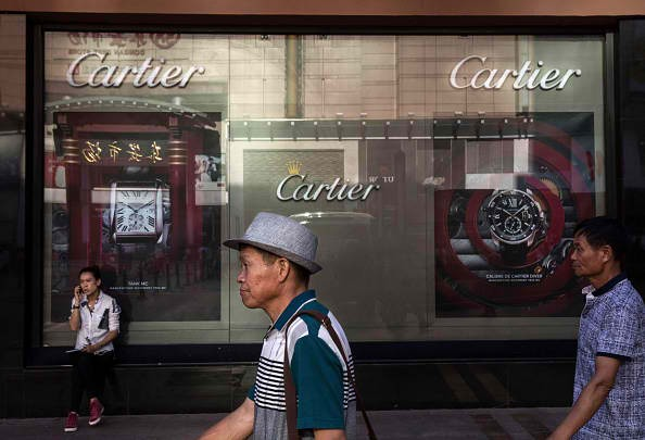 Chinese consumers are starting to rediscover the joys of buying luxury goods--but this time, only for themselves.