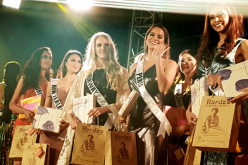 Miss Mauritius Kushboo Ramnawaj, Miss New Zealand Tania Dawson, Miss Norway Christina Waage, Miss Peru Valeria Piazza, Miss Finland Shirly Karvinen and Miss Puerto Rico Brenda Jimenez attend a Miss Universe 2016 event.
