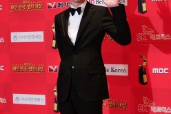 Actor Zo In-Sung arrives for the 6th Korean Film Awards at the Sejong Center on December 1, 2007 in Seoul, South Korea.