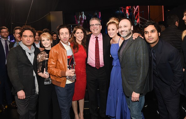 Johnny Galecki, Melissa Rauch,  Simon Helberg,  Mayim Bialik, Bill Prady,  Kaley Cuoco, Steven Molaro and Kunal Nayyar receive awards for 'The Big Bang Theory' at the People's Choice Awards 2017.