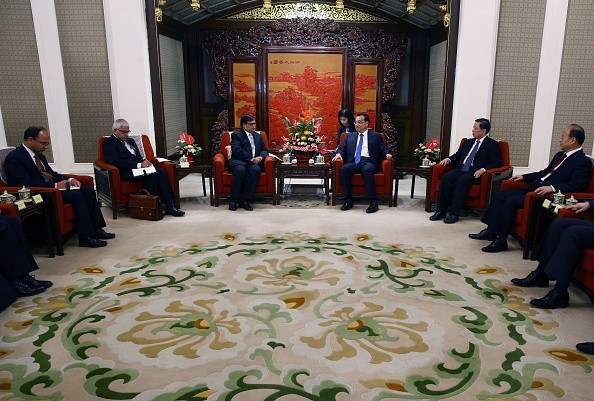 Nepal Premier's special envoy Krishna Bahadur Mahara meets with Chinese Premier Li Keqiang ahead of a meeting in Zhongnanhai Leadership Compound on Aug. 17, 2016 in Beijing.