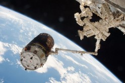 Kounotori-6 arrives at the ISS.
