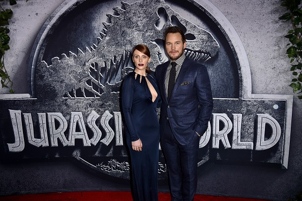 Bryce Dallas Howard (L) and Chris Pratt attend the Universal Pictures' 'Jurassic World' premiere at the Dolby Theatre on June 9, 2015 in Hollywood, California.