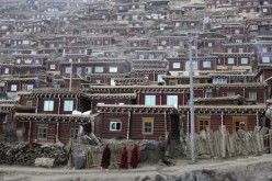 Chinese authorities have decided to tear down 3,225 homes at Larung Gar by April 30.