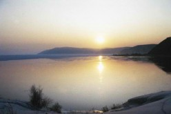 China wants to build a 1,000-kilometer water pipeline from Lake Baikal to Lanzhou.