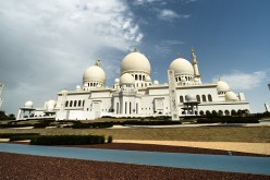 A panoramic view of Sheikh Zayed Grand Mosque located in Abu Dhabi.