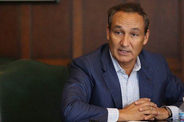 United Arilines Chief Oscar Munoz