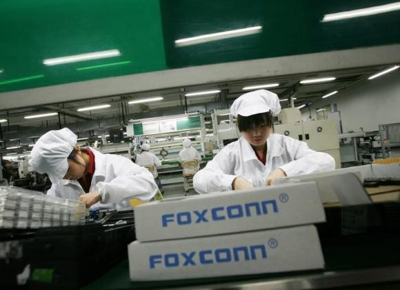 Foxconn starts selling used Apple gadgets such as iPhones and iPads.