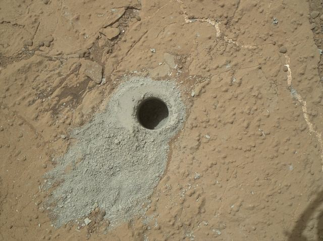 "NASA's Mars rover Curiosity's hole drilled into a rock target, ""Cumberland"""