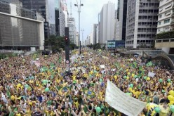 Brazilian protesters march against corruption