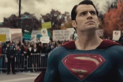 "Henry Cavill will play Superman in Zack Snyder's ""Batman v Superman: Dawn of Justice."""
