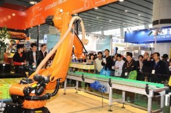 China has called on foreign tech firms to share their knowledge on robotics and tap into the market in China, the world's largest robotics market.