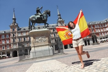 In 2014, 289,000 Chinese tourists visited Spain and the number is increasing as the European country expects 300,000 Chinese visitors this year.