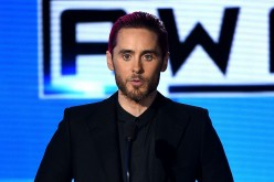 Jared Leto gives a speech during the 2015 American Music Awards Show.