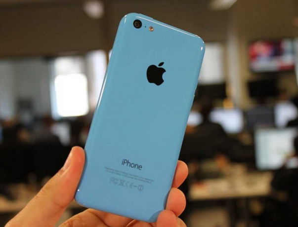 The latest rumors suggest that Apple is planning to launch a smaller iPhone for its customers, which is not yet confirmed whether it will be names as iPhone 5e, iPhone 6c or iphone 7c.