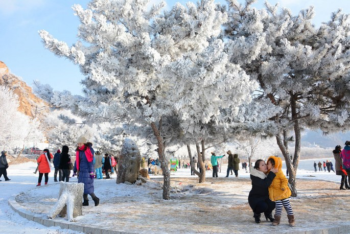 Rime Scenery Attracts Visitors In Jilin