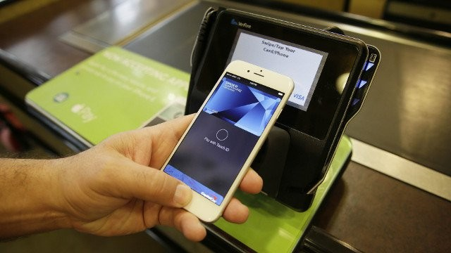 Analysts said that the Apple Pay service is likely going to have a hard time breaking into the Chinese mobile payment market due to stiff competition.