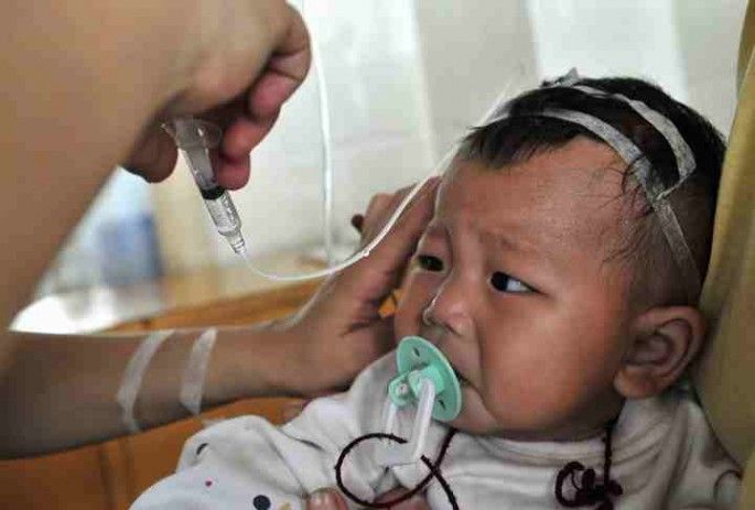 The Chinese government plans to train more pediatricians to add 140,000 more professionals in pediatric departments by 2020.