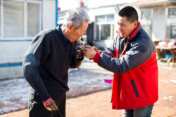 Self-made Two Iron Hands Make Sun Jifa A 'Superman' In Jilin