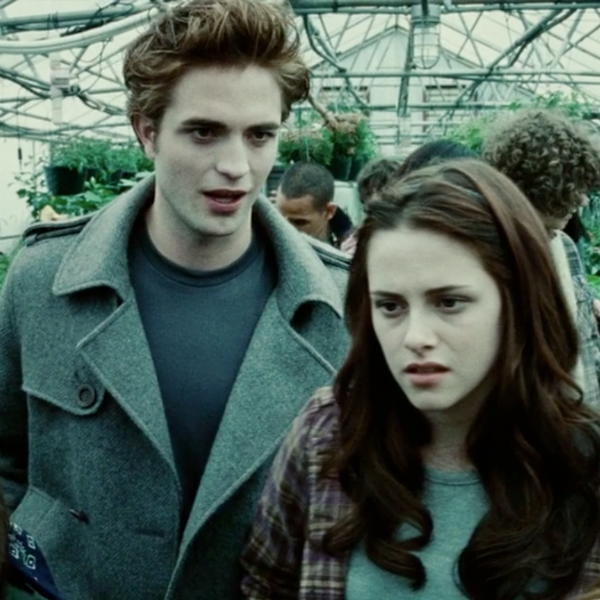 "Kristen Stewart and Robert Pattinson played the role of lead characters Bella and Edward in ""Twilight"" movies."