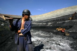 Laidoff coal and steel miners are to be assisted by the Chinese government.